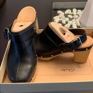 Clarks shoes/clogs